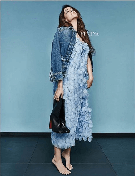 sonam kapoor dressing style denim outfit