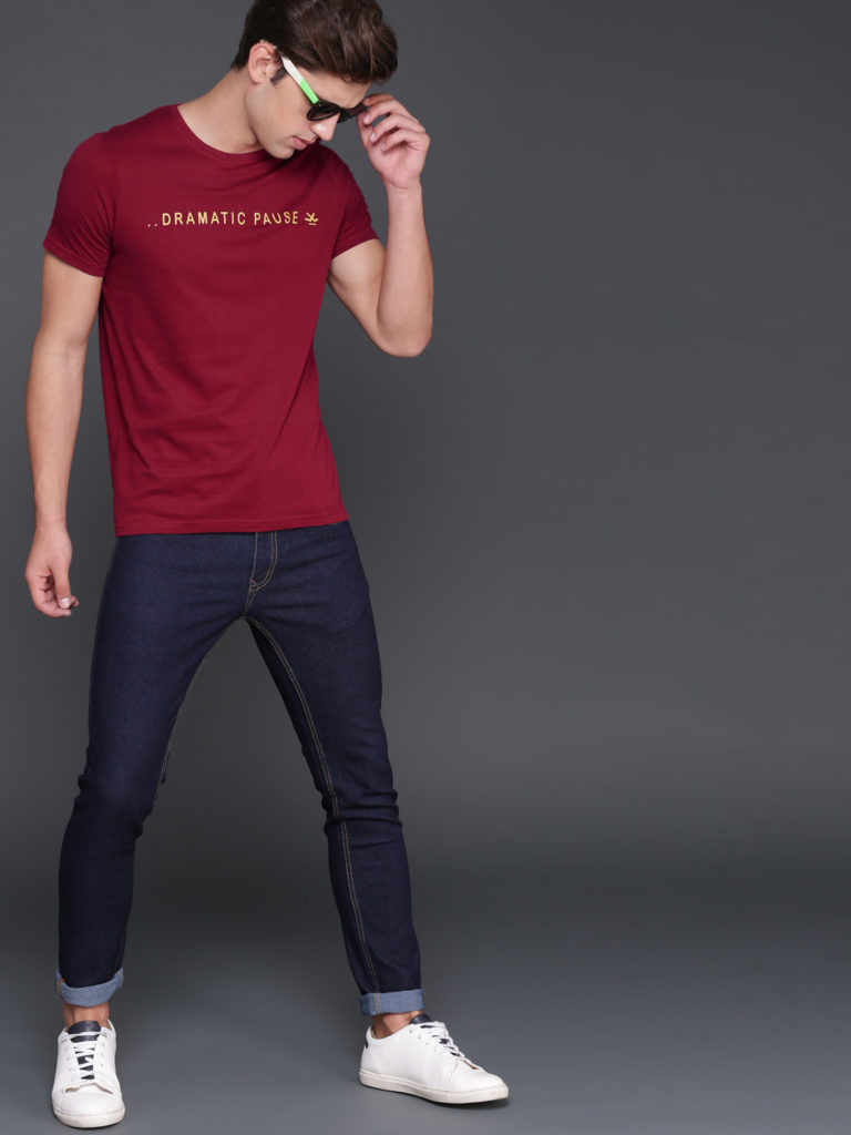MAROON T-SHIRTS AND BLUE JEANS COMBINATION