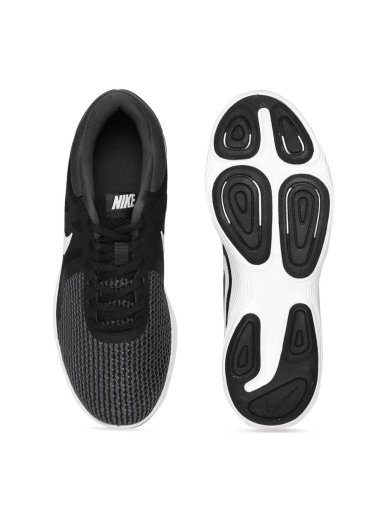 Nike Black and white women running shoe   Running Women Shoes Style