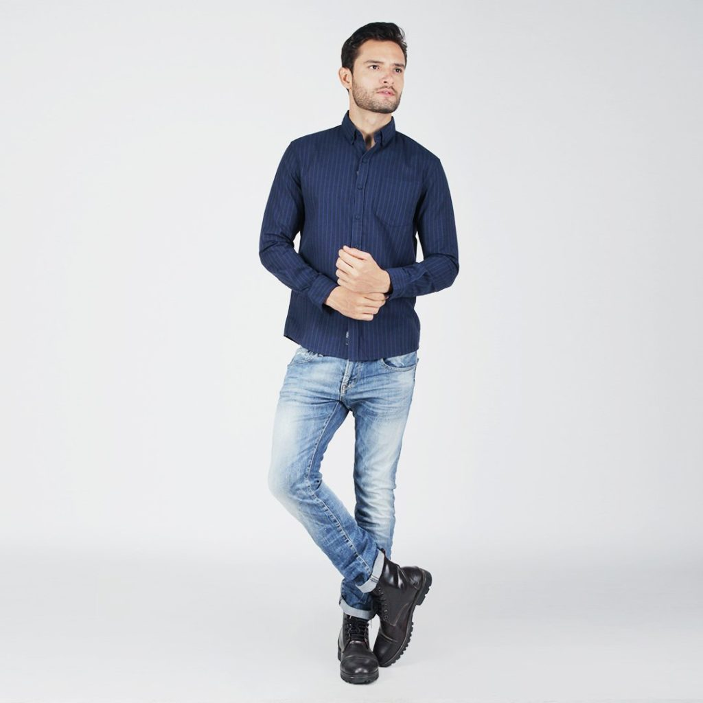 navy blue shirt combination with jeans