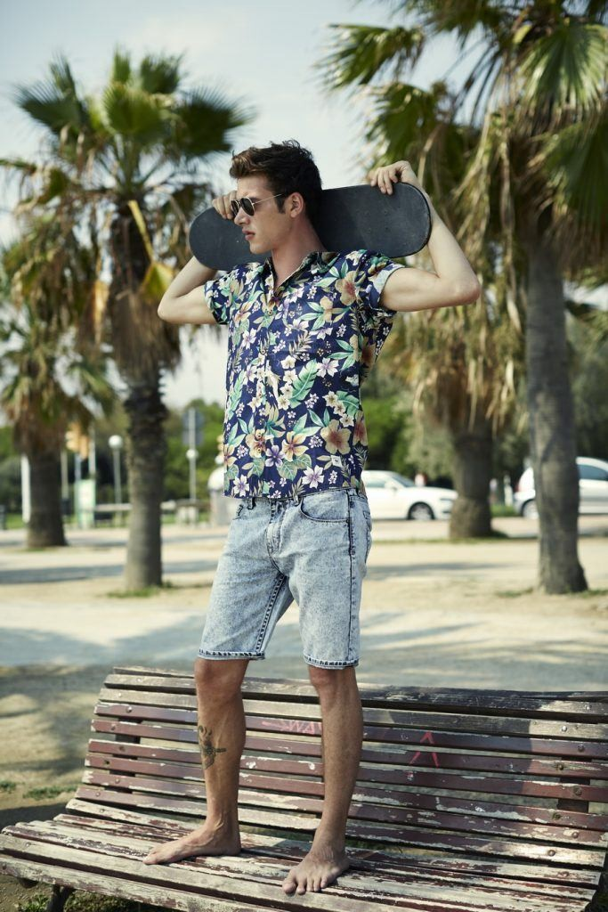 Floral Printed Beach Shirt Outfit For Men | Floral printed shirt with denim short